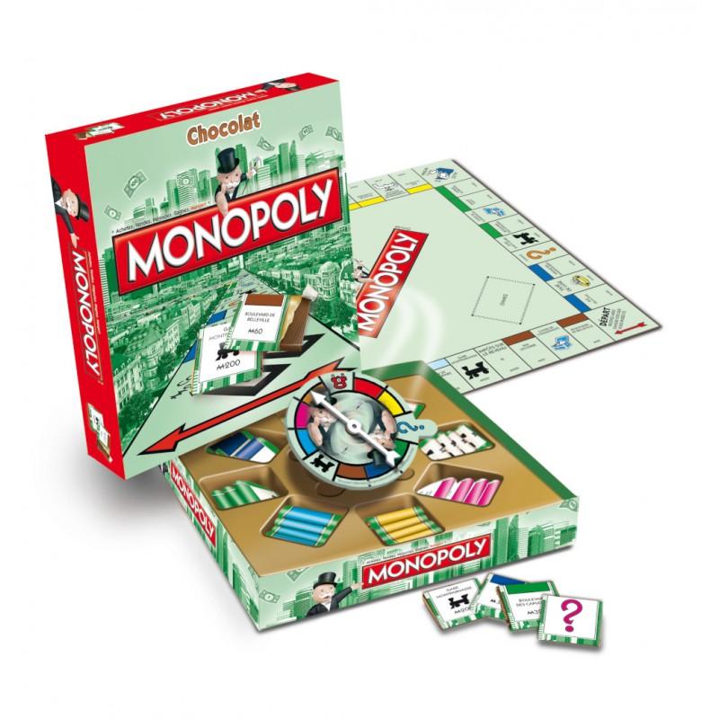Le jeu original Monopoly avec cartes enchocolat au lait belge, plateau de jeu et roue