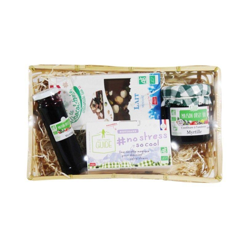 Panier festif avec tablette de chocolat au lait aux mendiants bio, coulis à lamyrtille bio,confiture à la myrtille bio et tisane no stress bio